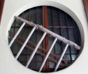 旅館の丸窓