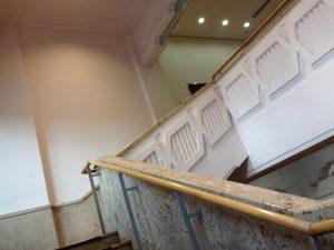 京都市美術館別館の階段