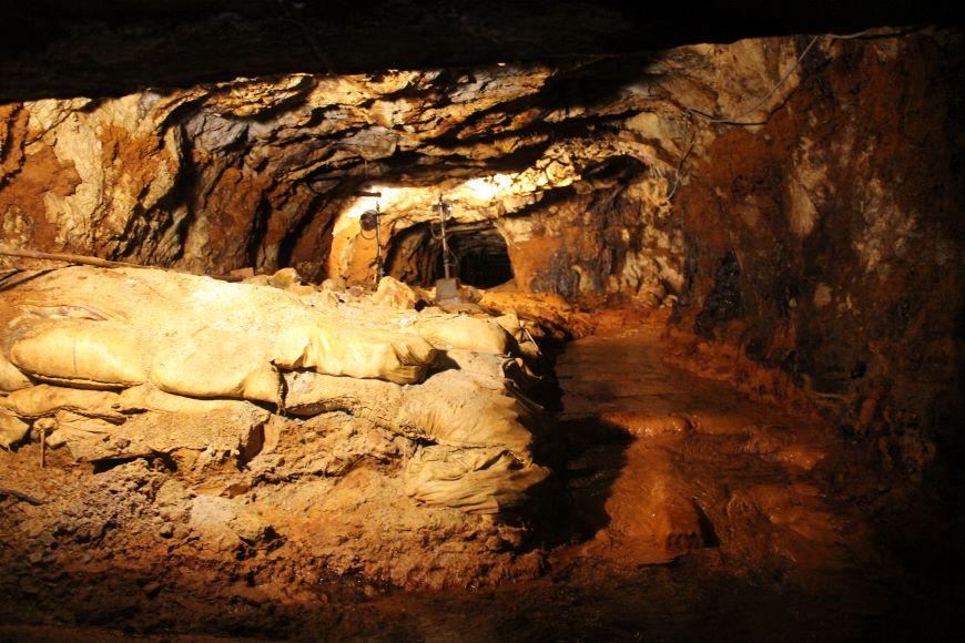 旧岩美鉱山 坑道 第二ルート